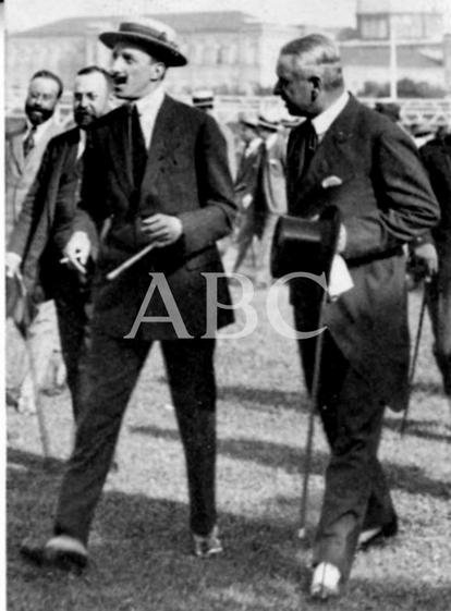 1919, EN EL HIPÓDROMO DE LA CASTELLANA. S.M. EL REY EN EL HIPÓDROMO