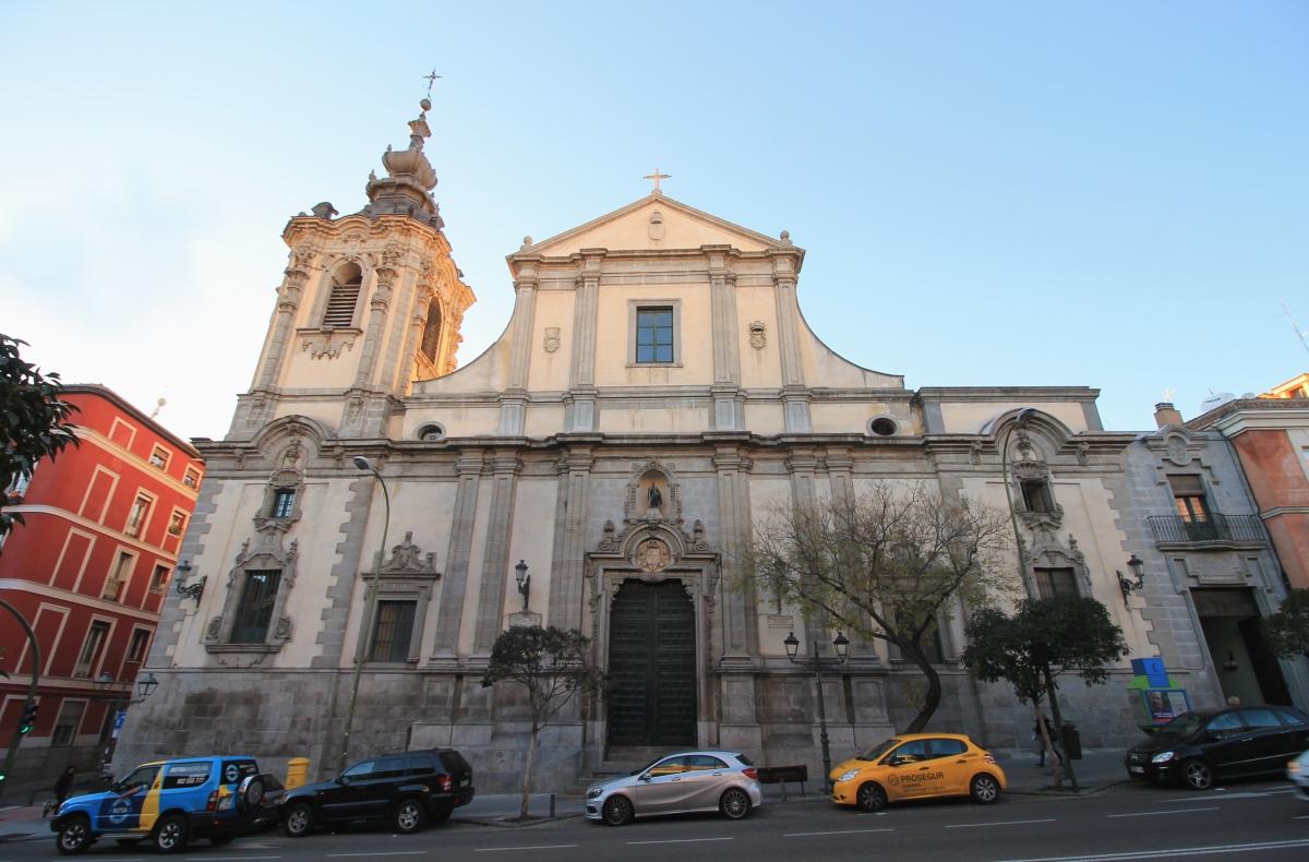 Iglesia de montserrat un gato por madrid - Calle montserrat barcelona ...