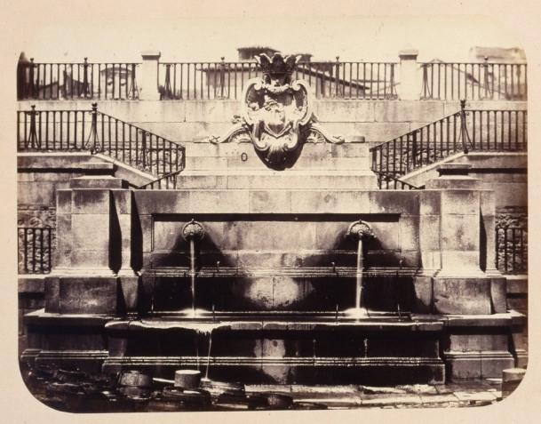 1864, Fuente vecinal en la Calle de la Escalinata
