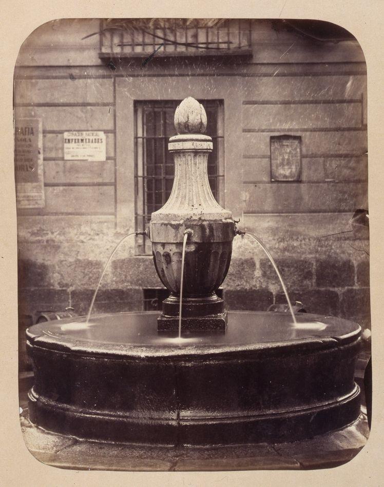 1864, Fuente vecinal en la Corredera de San Pablo