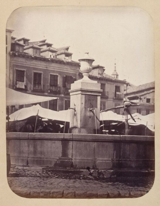 1864, Fuente vecinal en la Plaza de la Cebada