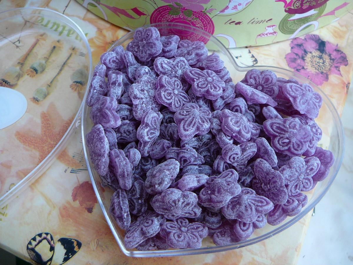 La Violeta y sus caramelos morados
