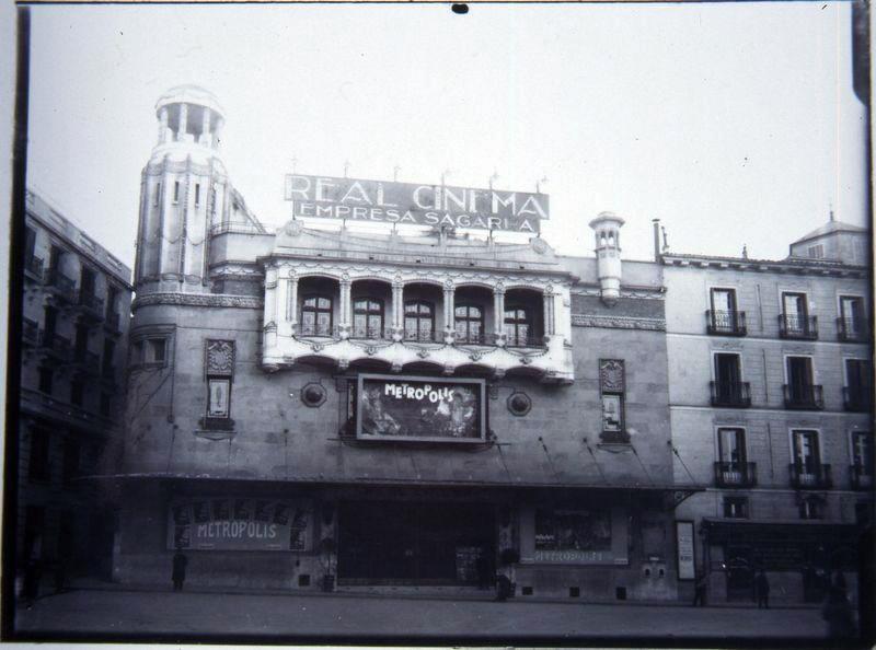 Real Cinema 6